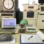 越谷市の某検査試験場にてコンクリートの圧縮試験をしてきました。